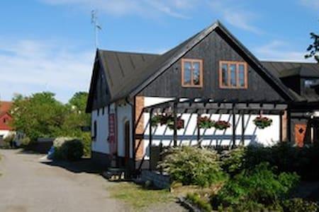 Flat in charming fishing village - Ystad - Loft-asunto