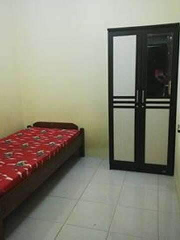 Kamar Tidur Mudah Tranportasi Umum