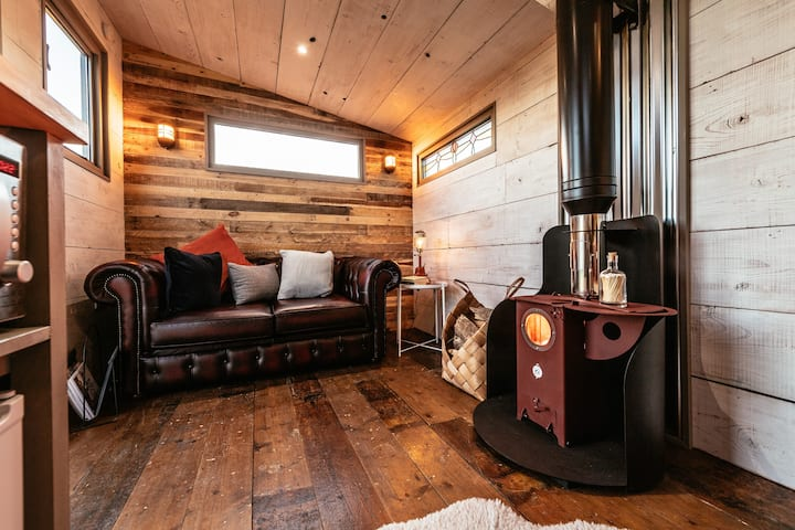 Beautiful Tiny House in the magical Towy Valley