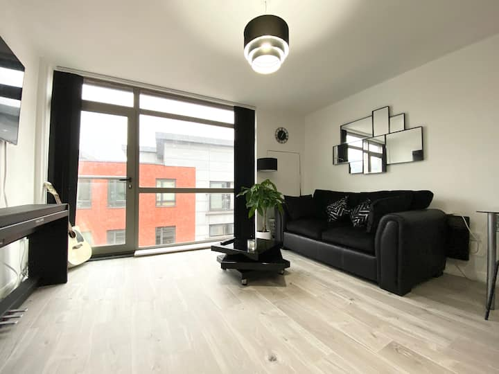 Stylish Modern Apartment in Central Manchester