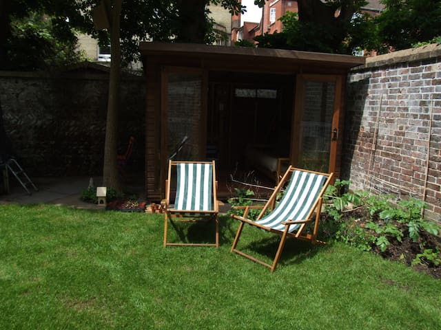 Summerhouse in our garden, Hove, 1 min from sea