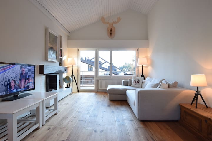 Newly renovated apartment directly at the valley station in Laax - Casa Lander