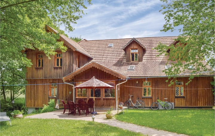 Stunning home in Dautphetal with WiFi and 1 Bedrooms