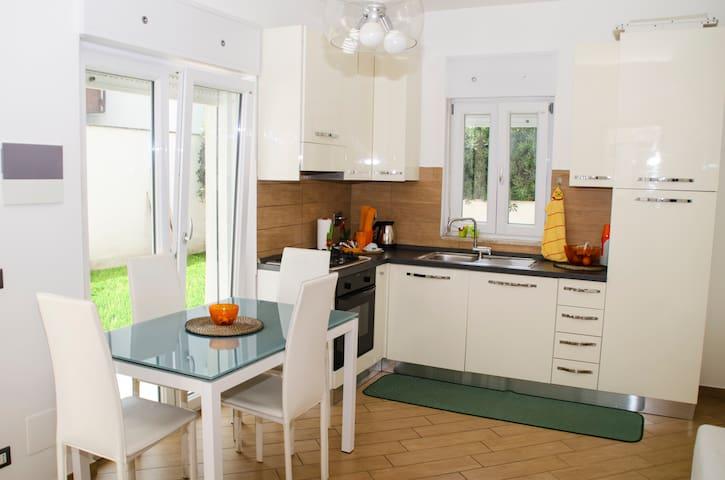 Sun Garden - Fiumicino - Apartment
