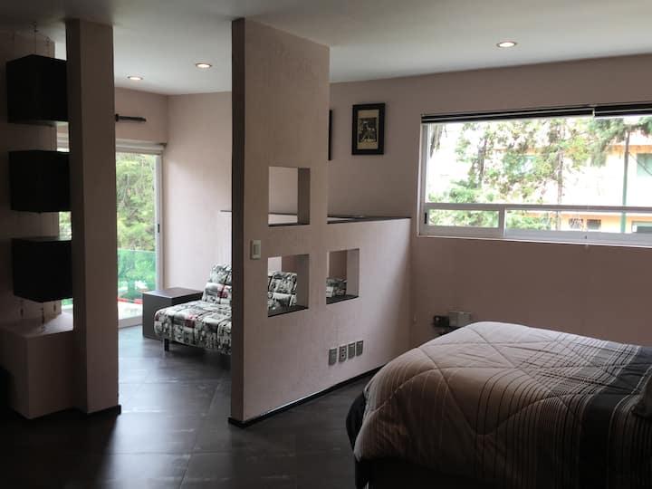 3 amplías habitaciones de lujo con baño cada una