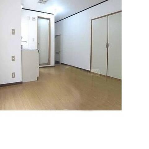 そんなに綺麗ではないですが、確りとした個室でありあまり気を使わづに、過ごせれば泊まれます。 - Higashiyama Ward, Kyoto - Appartement