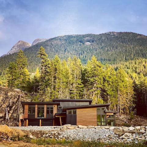 Modern Mountain Home Located at the base of Wedge