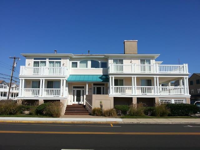 Ocean City Beach Home, 1 Block to the Beach