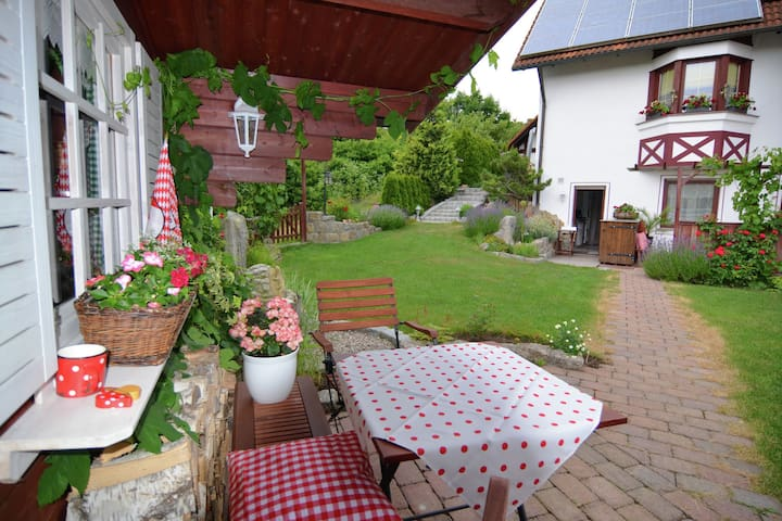 Quiet apartment with large garden in Zeil am Main in Lower Franconia
