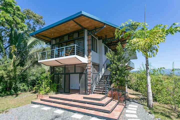 Mountaintop House with Breathtaking Views - Puntarenas - Casa