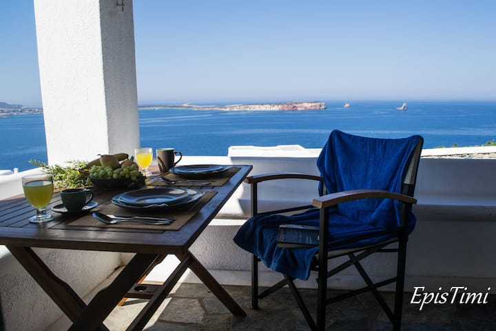 Villas with view to the Aegean sea