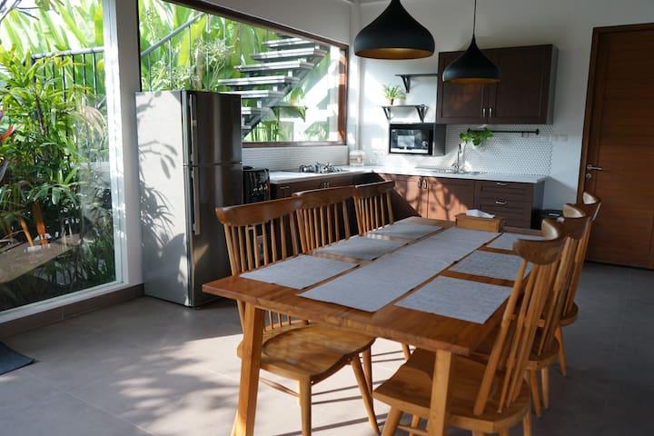 Olahos: Cozy 3BR villa with pool