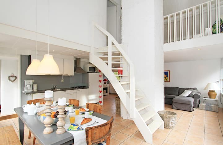 Sunny holiday house 'Bollenstreek'