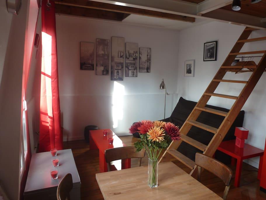 espace détente très calme équipée TV + internet Wifi