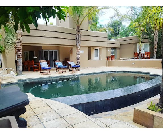 50 Klein Karoo- Protea Suite