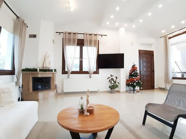 Acropolis Apartment Serres (800m From Center City)