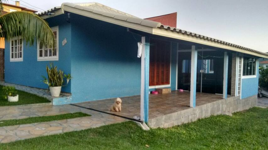 Lugar calmo , ambiente familiar - Florianópolis, Santa Catarina, BR - Casa