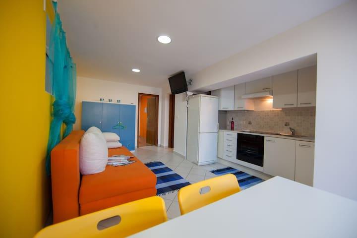 The Sea House Apartments - The Sun