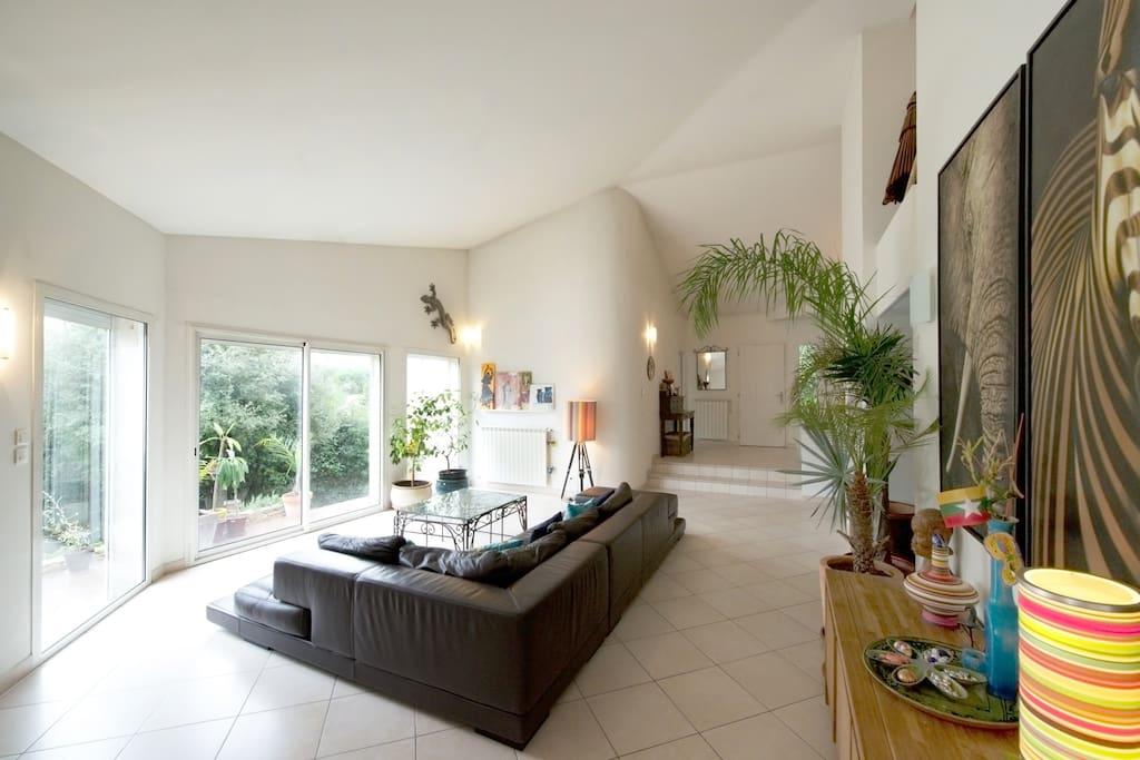 Villa d 39 architecte montpellier maisons louer for Architecte montpellier