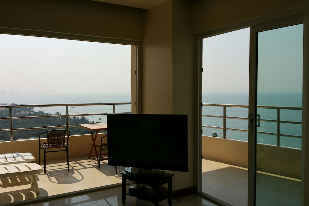 the balcony with oceanview