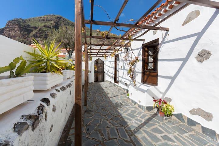 casas maria tipica canaria - Tamaimo - House