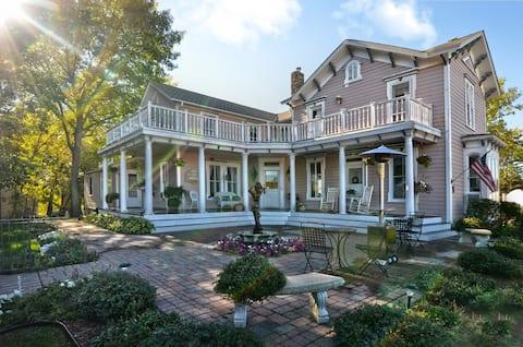 Historiallinen aamiaismajoitus - The Bird House Inn