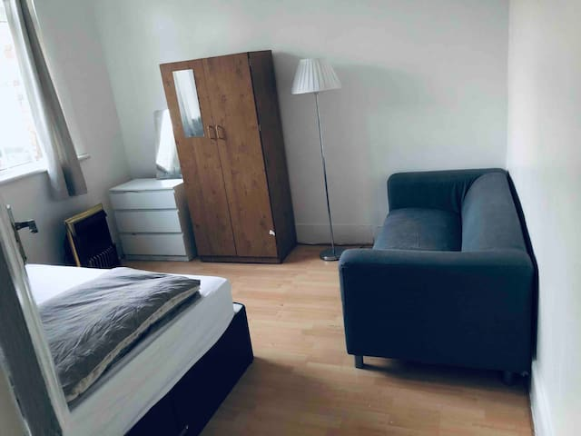 Large Double room, private near station