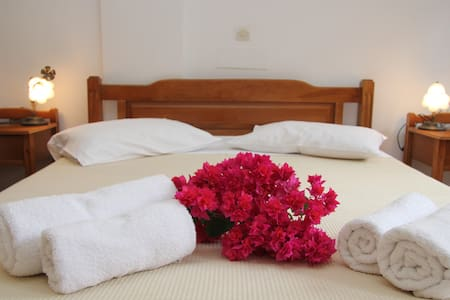Ersi villas - Studio 2 pax - Thira