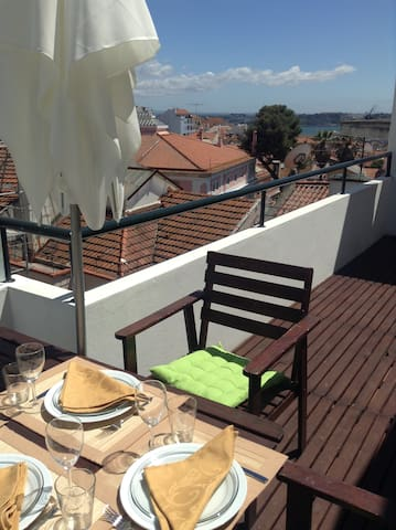 Terrasse et vue, centre de Lisbonne - Lissabon - Wohnung