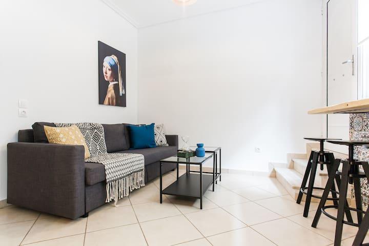 Modern 2 bedroom apt, 1' walk to Acropolis