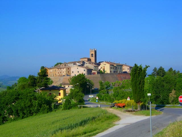 Dimora tipica dentro il borgo   - Montefabbri - Daire