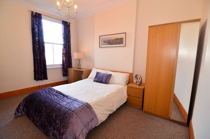 The Winchester-Entire 2 bed apartment in Cusworth - Doncaster - Lägenhet