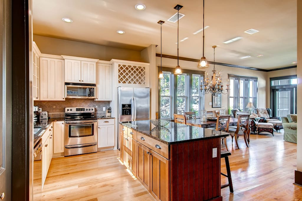 The open floorplan is great for entertaining.