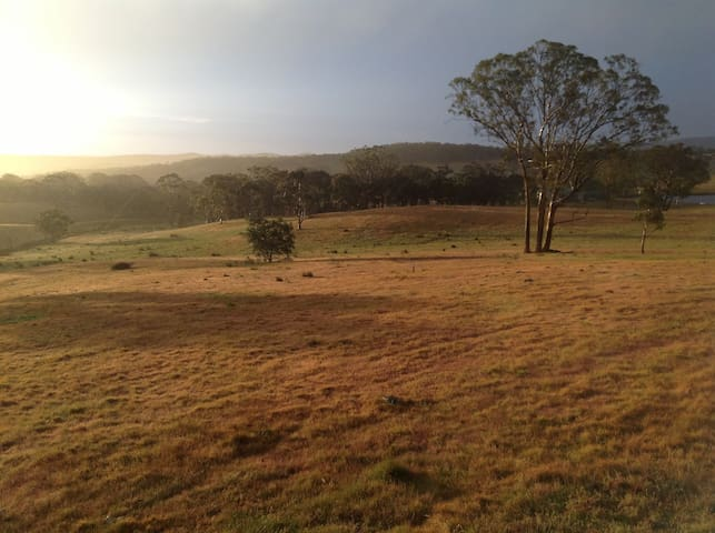 Farm stay with amazing views - Gundaroo