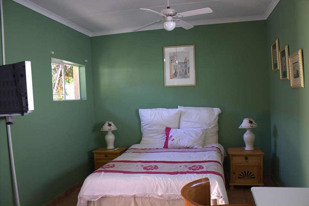 Double Room / private with own entrance- en-suite bathroom .