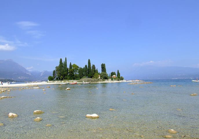 Islands in the gulf of Manerba del Garda