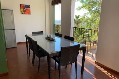Precioso apartamento con terraza en Bonalba Golf