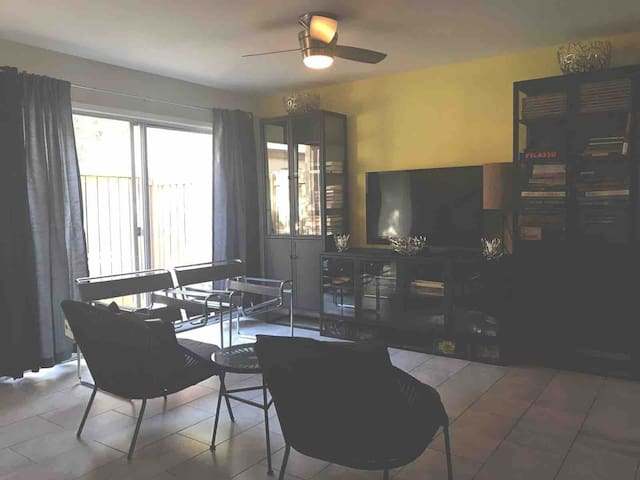 Cool Condo at the Heart of Old Town Scottsdale!