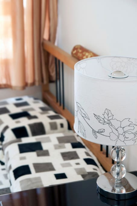 Brand new and very beautiful Table lamp