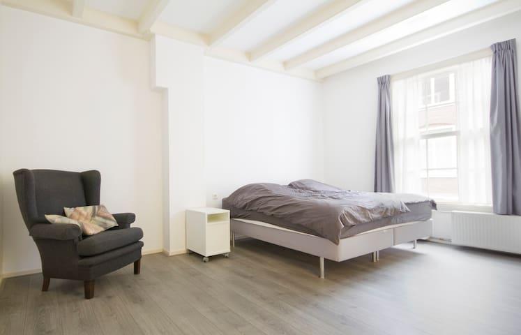 Nieuw Gerenoveerd appartement Jordaan