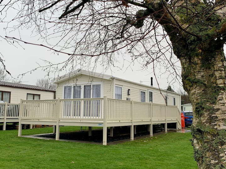Spacious Luxury Static Caravan at Haven Lakeland