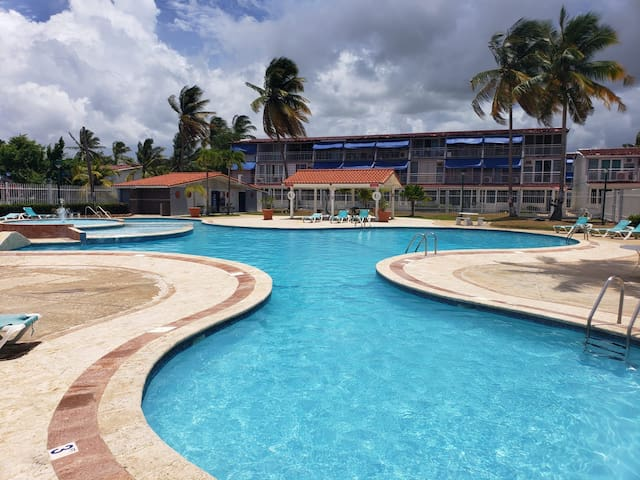 3bed/ 2bath Villas de Playa, Dorado, PR