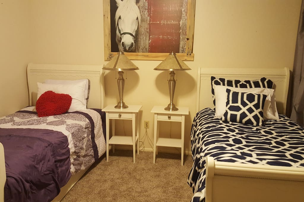 Horse bedroom with two twin trundles