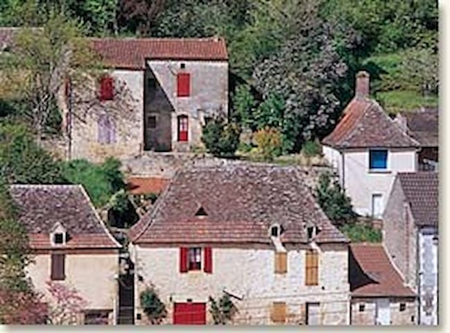 Magical bijou 1bd house on Dordogne - Lalinde - House