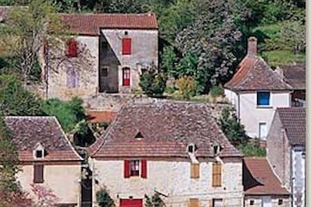 Magical bijou 1bd house on Dordogne - Lalinde - Casa