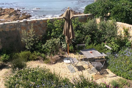 Tranquil seaside home in Kalk Bay, Cape Town. - Cape Town - Huoneisto