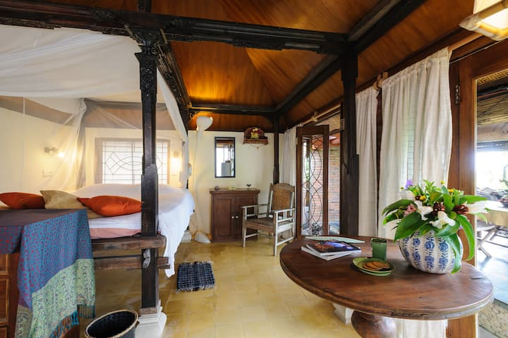 Nirmala Seaside bungalow north of Sanur