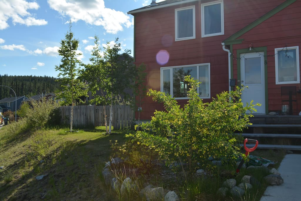 Sunny place close to downtown maisons louer whitehorse yukon territory canada - Canada maison close ...
