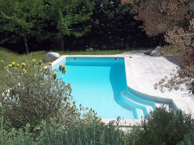 Provence Beauty with Pool and Views - Grambois - Hus