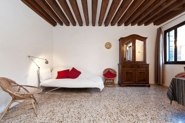 Very nice flat near Rialto Bridge - Venedik - Daire